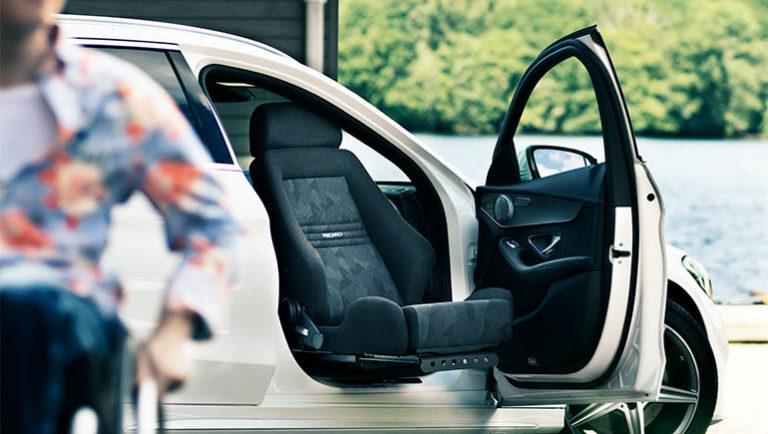 クルマに高齢者が安心安全に乗り込むための方法 ~後付!回転シート・ターンアウト~