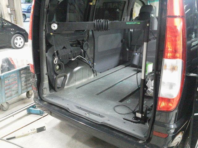 ベンツV350 X 車いすクレーン カロリフト40の福祉車両改造事例4