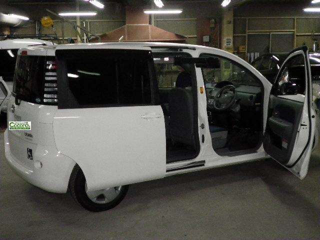 トヨタ シエンタ X カロリフト40 の福祉車両改造事例3