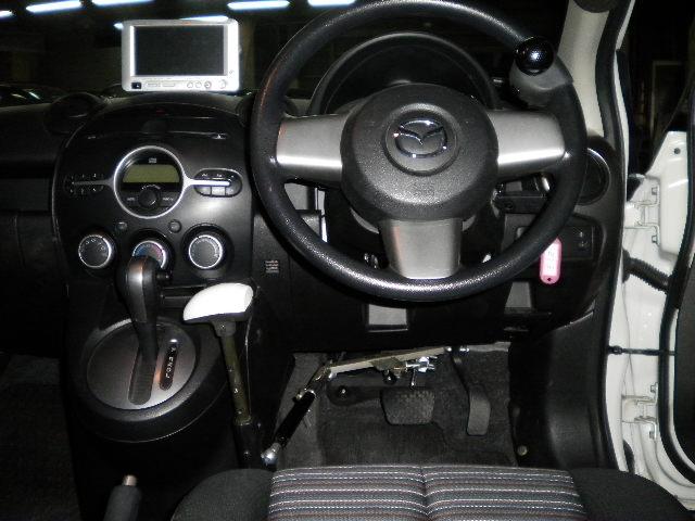 マツダ デミオ X カロスピードメノックスの福祉車両改造事例2