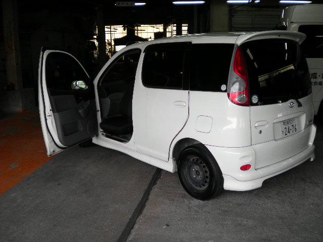 トヨタ ファンカーゴ X ターンアウトの福祉車両改造事例1
