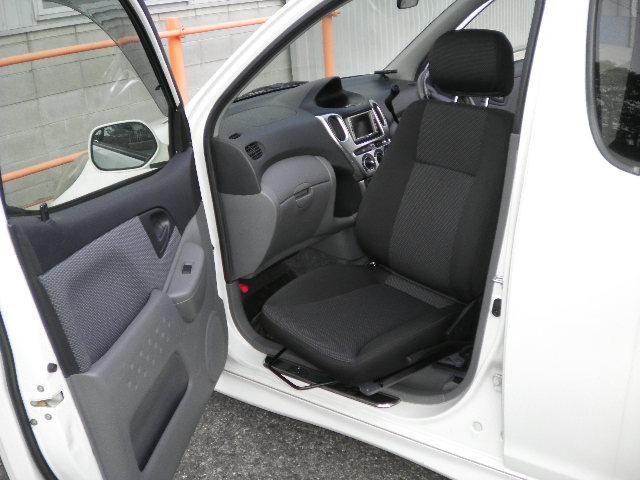 トヨタ ファンカーゴ X ターンアウトの福祉車両改造事例5