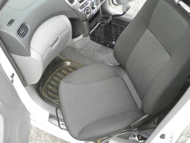 トヨタ ファンカーゴ X ターンアウトの福祉車両改造事例4
