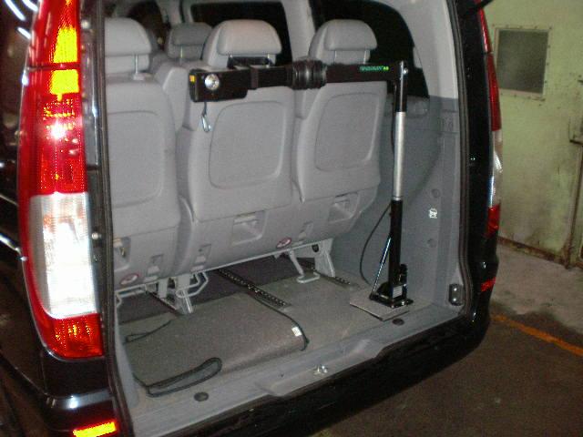 ベンツV350 X 車いすクレーン カロリフト40の福祉車両改造事例2