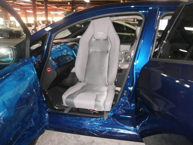 ニッサン リーフ X ターンアウト X レカロの福祉車両改造事例2