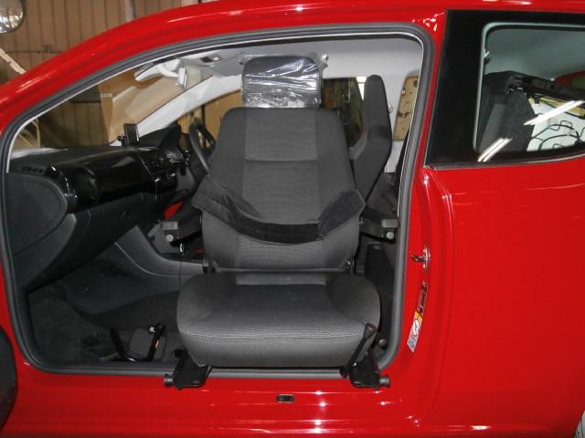 フォルクスワーゲン アップ X ターンアウト カロニークラシックシステムの福祉車両改造事例5