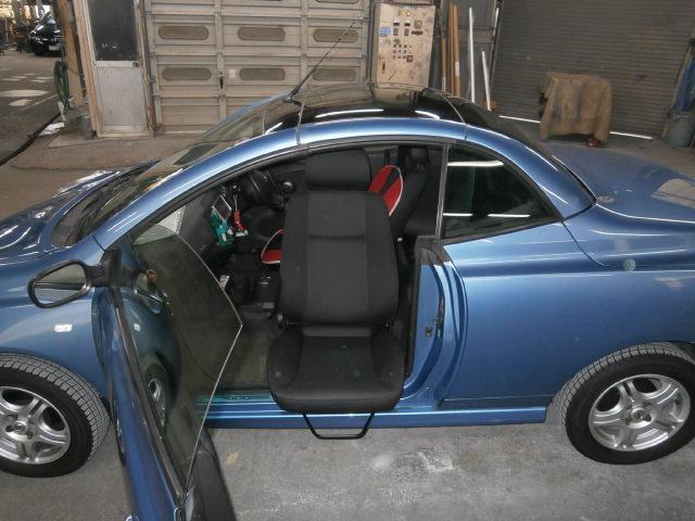 ニッサンアメリカ マイクラ X 助手席ターンアウトの福祉車両改造事例4
