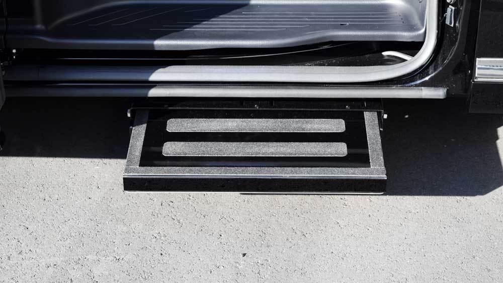 アルファード X 補助ステップの福祉車両改造事例4