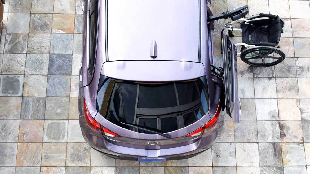 マツダ デミオ X KIVIスライディングシステム&ピラーリフトの福祉車両改造事例2