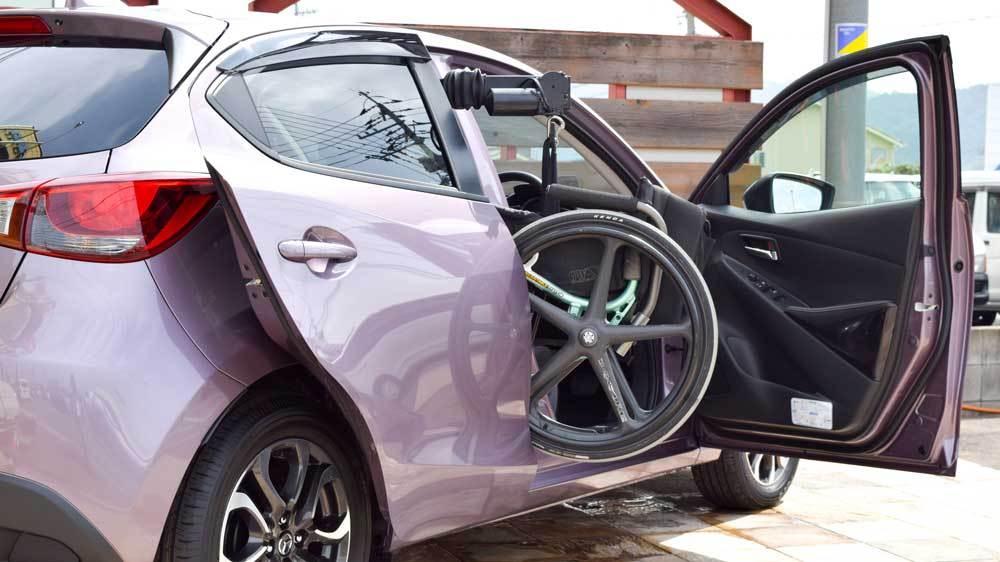 マツダ デミオ X KIVIスライディングシステム&ピラーリフトの福祉車両改造事例4