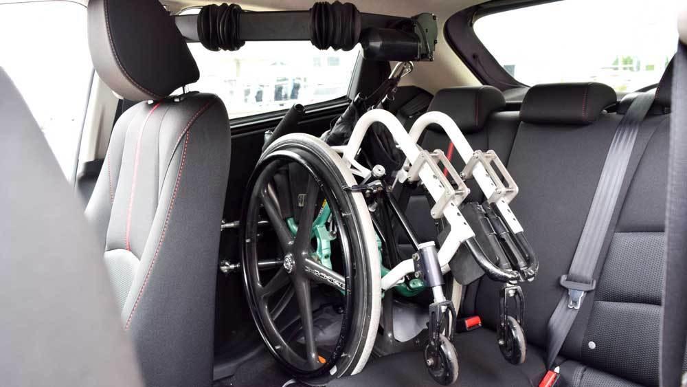 マツダ デミオ X KIVIスライディングシステム&ピラーリフトの福祉車両改造事例5