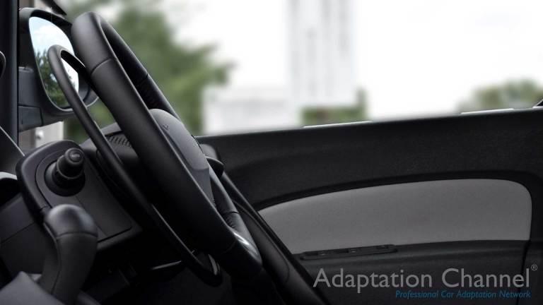 ルノーカングー X アクセルリング&ブレーキシステムの福祉車両改造事例4
