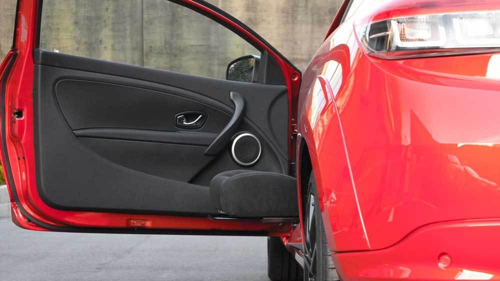 ルノーメガーヌRS X ターンアウト+レカロの福祉車両改造事例4