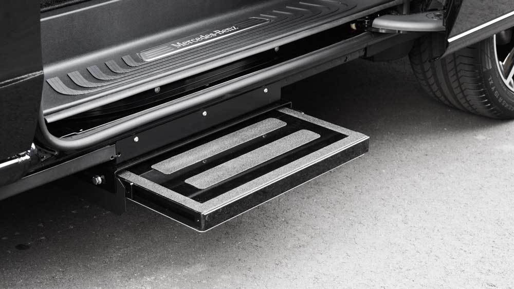 メルセデスベンツVクラス X 補助ステップの福祉車両改造事例2