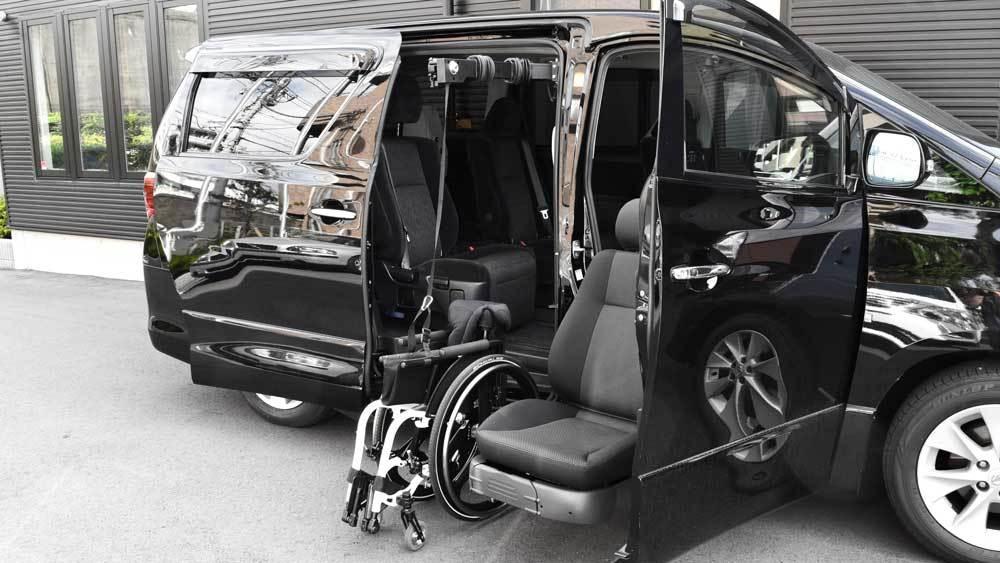 アルファード X ターニーEVOⅡ X ピラーリフトの福祉車両改造事例1
