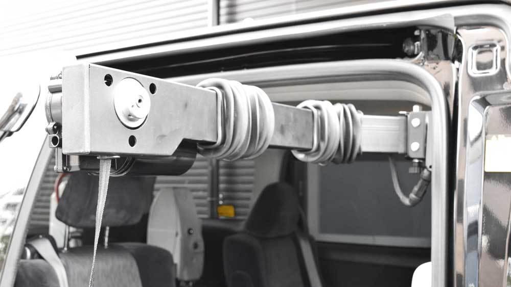 アルファード X ターニーEVOⅡ X ピラーリフトの福祉車両改造事例2