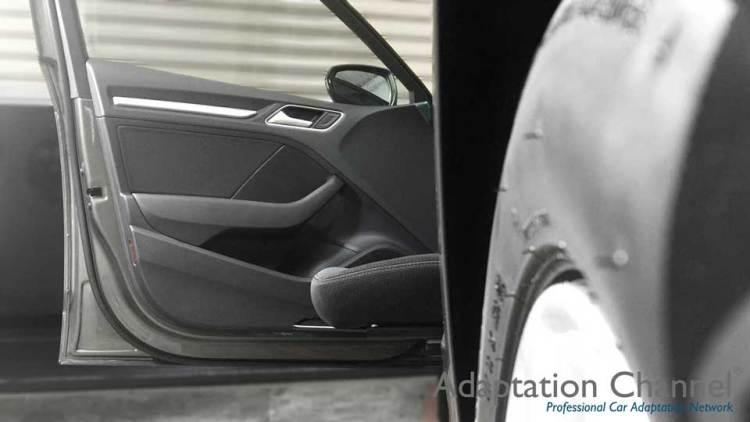 アウディA3 X ターンアウトの福祉車両改造事例4