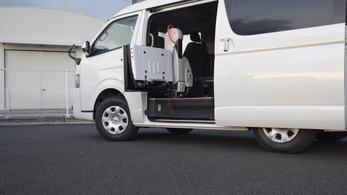 ハイエースGL X フィオレラリフト サイドエントリーの福祉車両改造事例4