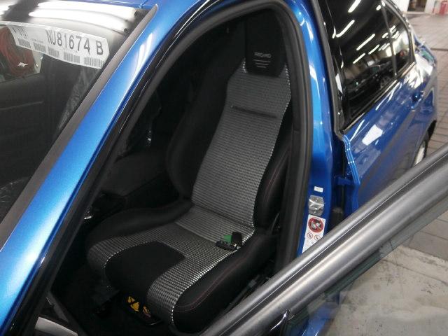 BMW 328ⅰ X ターンアウトwithレカロの福祉車両改造事例3