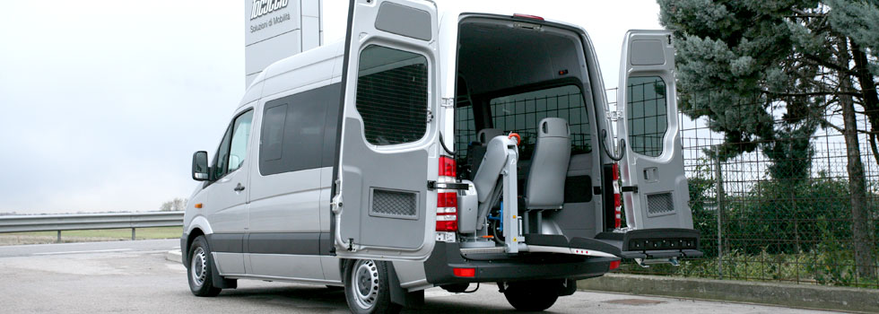 メルセデスベンツ スプリンター X フィオレラリフトF360EXの福祉車両改造事例3
