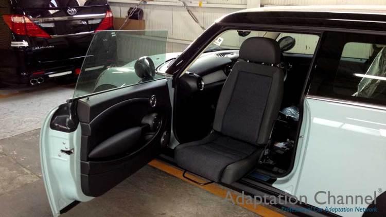 BMW MINI クラブマン X ターンアウトの福祉車両改造事例2