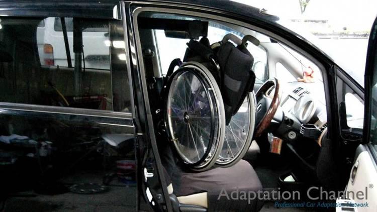 ホンダ ライフ  X  カロリフト40 運転席verの福祉車両改造事例1