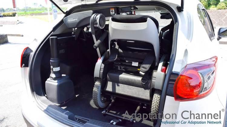 マツダ CX-5 X カロリフト + WHILLの福祉車両改造事例3