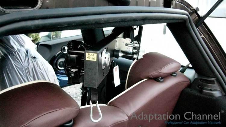 BMW MINI  X  カロリフト40改の福祉車両改造事例3