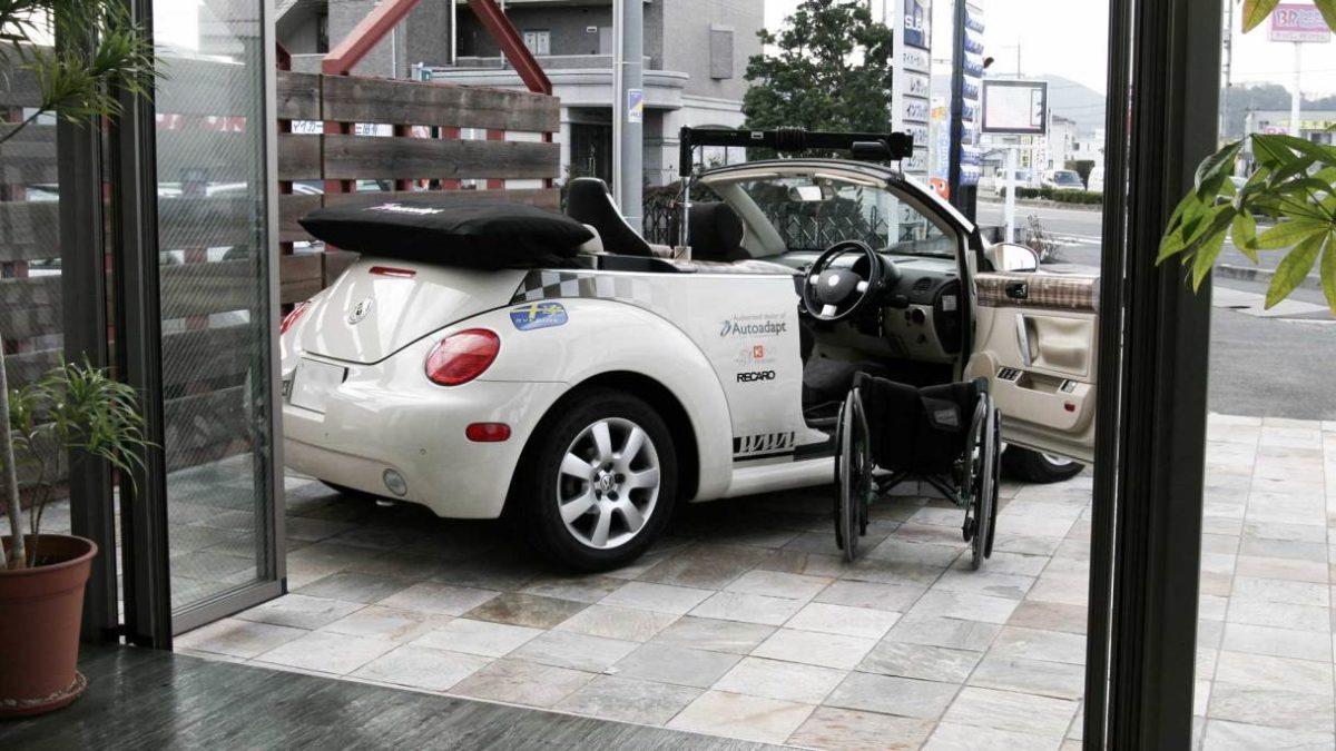フォルクスワーゲン ニュービートル・カブリオレ X ターンアウト+レカロの福祉車両改造事例2
