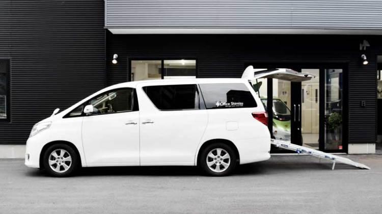 アルファード X  車いすスロープ の福祉車両改造事例4