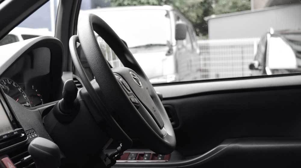 トヨタ ノア X アクセルリング&ブレーキレバーの福祉車両改造事例4