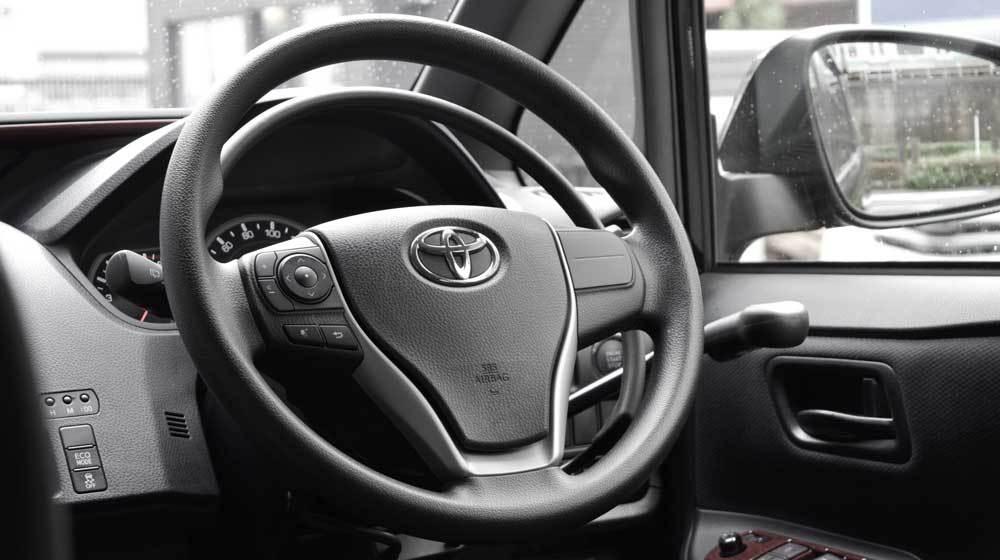 トヨタ ノア X アクセルリング&ブレーキレバーの福祉車両改造事例5