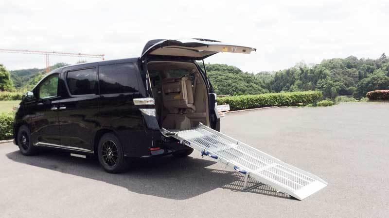 アルファード X 車いすスロープの福祉車両改造事例5