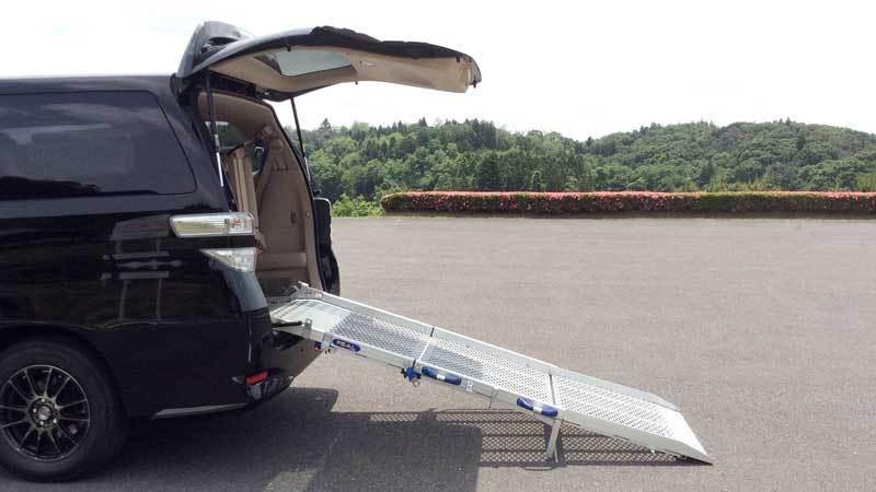 アルファード X 車いすスロープの福祉車両改造事例4