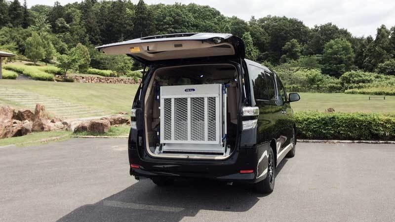 アルファード X 車いすスロープの福祉車両改造事例3