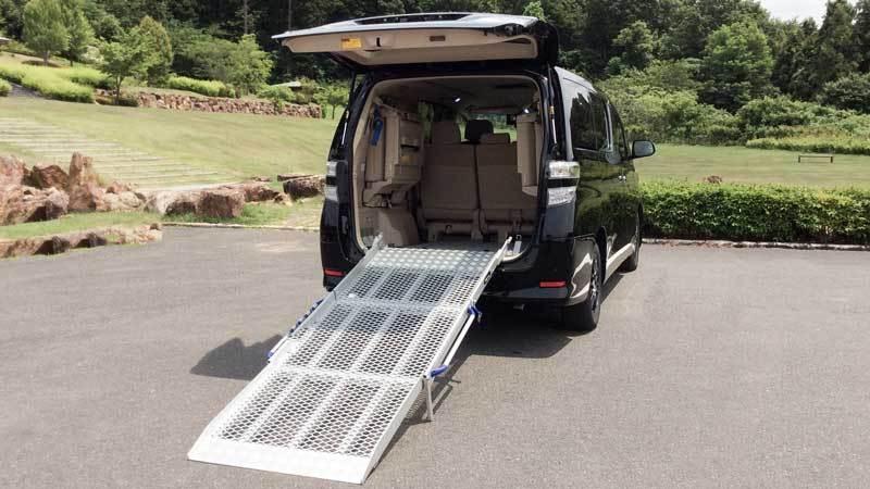 アルファード X 車いすスロープの福祉車両改造事例2