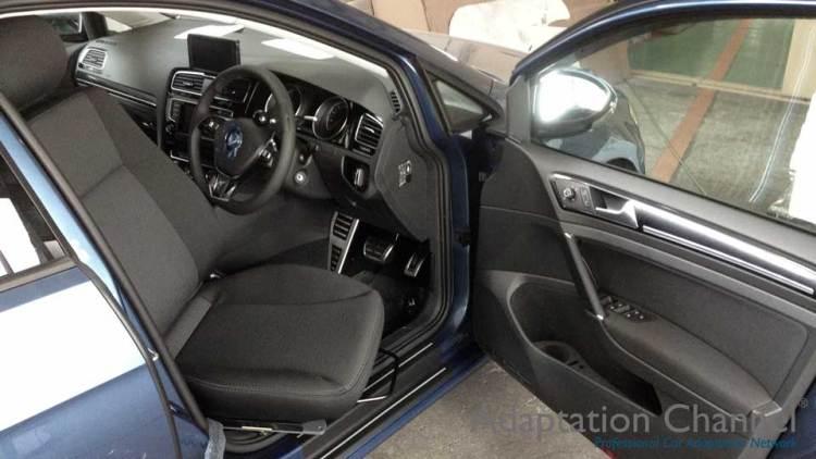 フォルクスワーゲン ゴルフ7 X ターンアウトE 運転席Verの福祉車両改造事例2