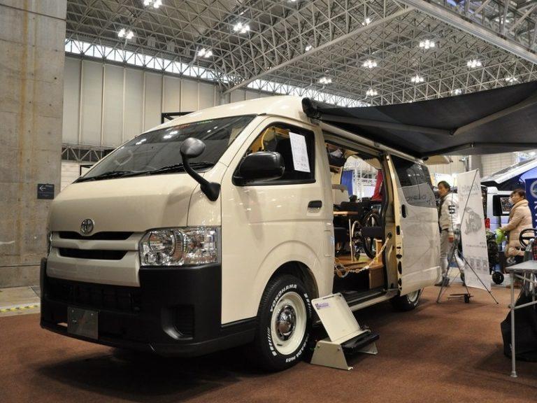 車いすリフト付きキャンピングカー【バリアフリーキャンパー】