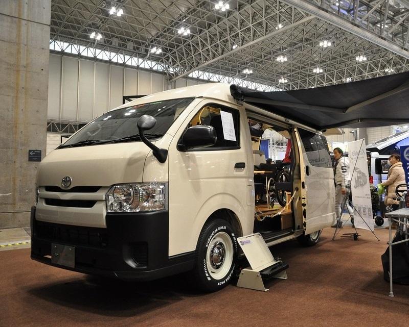 車いすリフト付きキャンピングカー【バリアフリーキャンパー】の福祉車両改造事例1