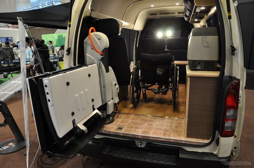 車いすリフト付きキャンピングカー【バリアフリーキャンパー】の福祉車両改造事例3