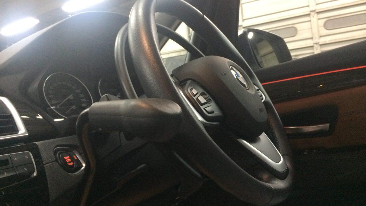 BMW 218i グランドツアラー X アクセルリング&左ブレーキレバーの福祉車両改造事例5