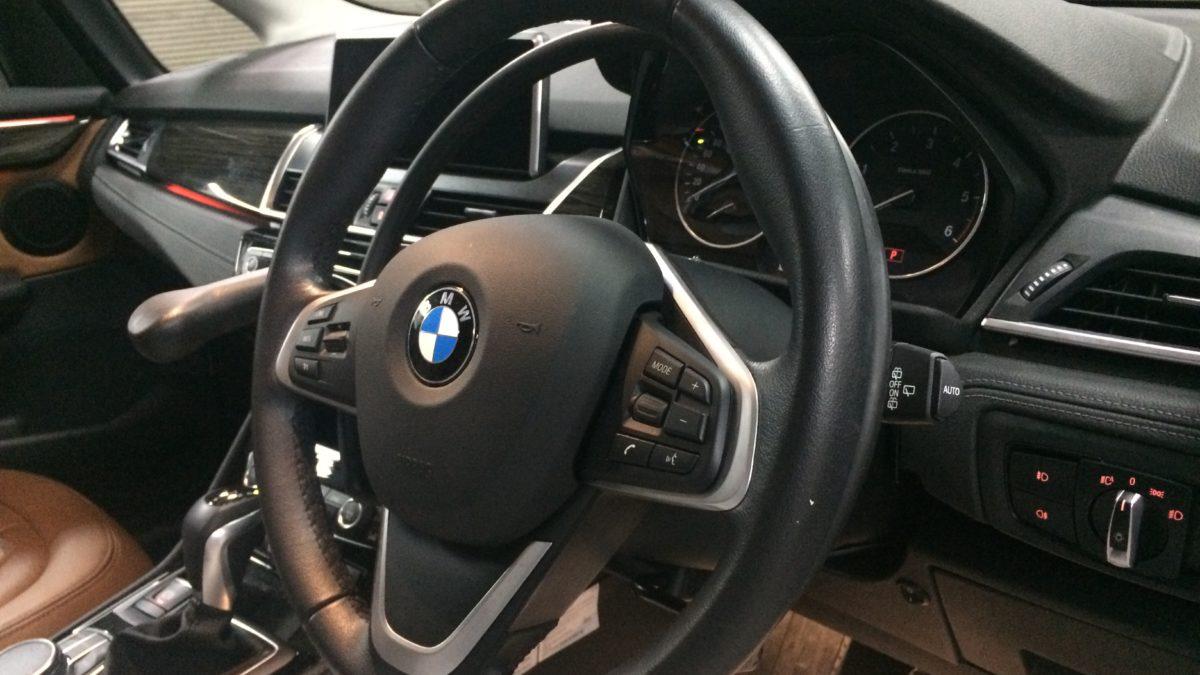 BMW 218i グランドツアラー X アクセルリング&左ブレーキレバーの福祉車両改造事例7