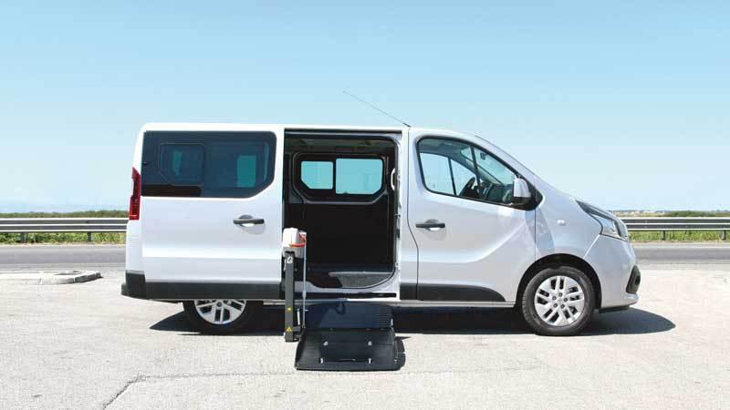 ルノー トラフィック X  フィオレラF360スリムフィットの福祉車両改造事例2