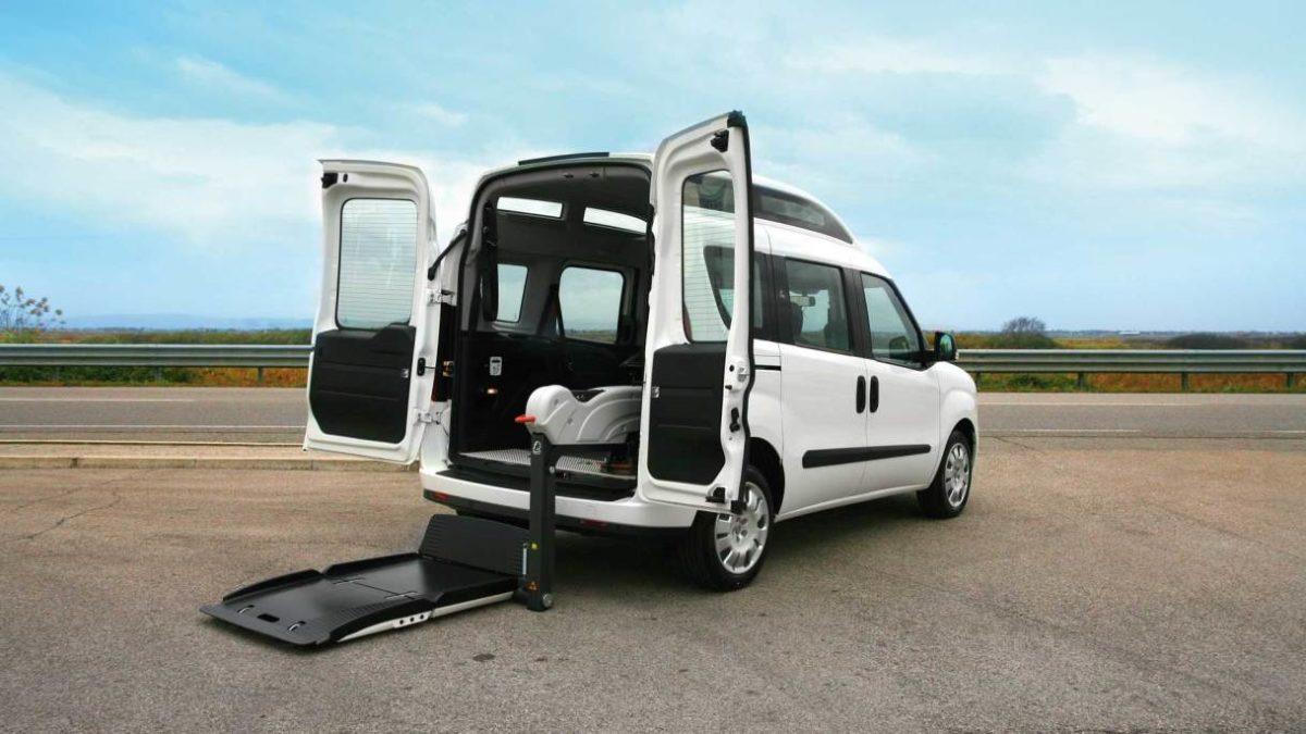 フィアット  ドブロー  X  フィオレラF360スリムフィットの福祉車両改造事例1