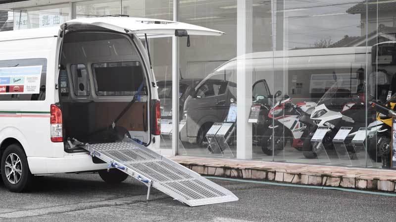 トヨタ ハイエース X 車両用 スロープの福祉車両改造事例2