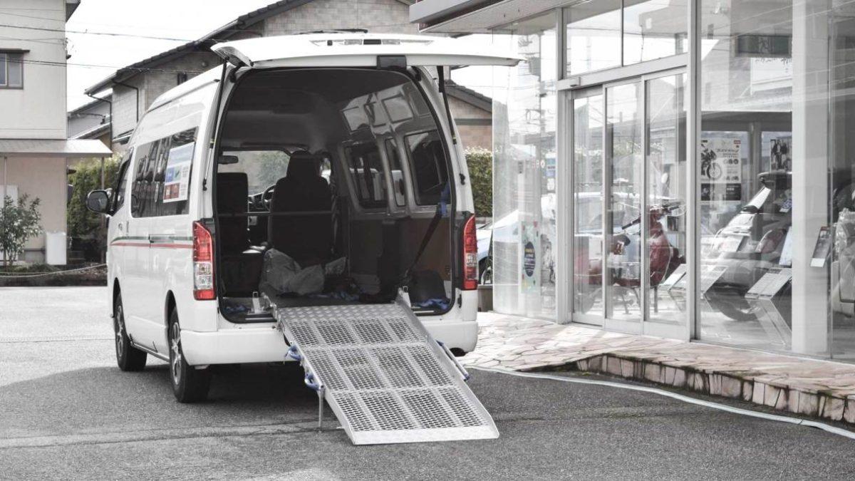 トヨタ ハイエース X 車両用 スロープの福祉車両改造事例1