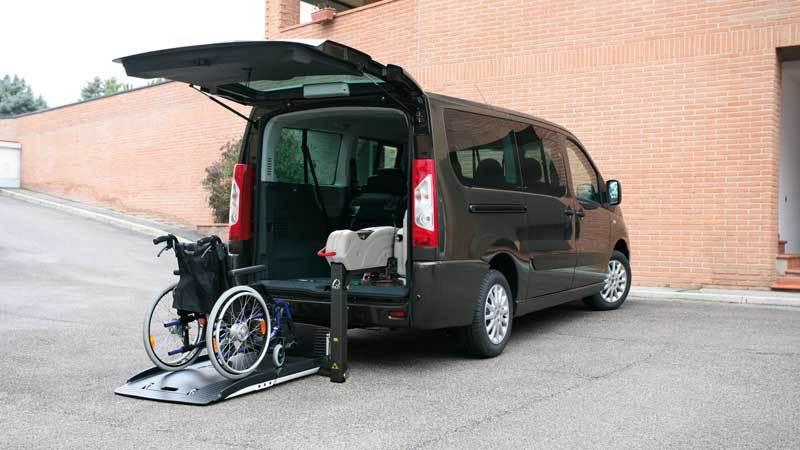プジョー エキスパート X  フィオレラF360スリムフィットの福祉車両改造事例2