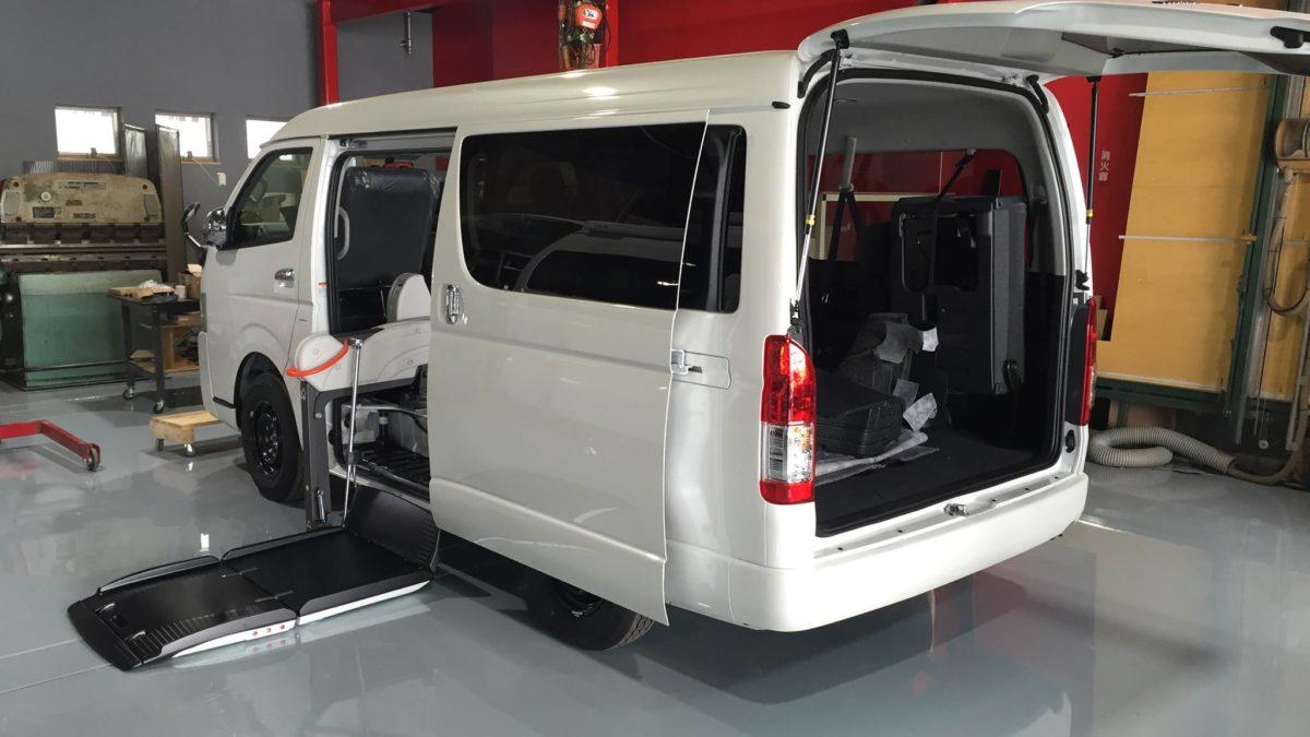 トヨタ ハイエースWGN-GL X フィオレラリフト サイドアクセス 車いす移動車の福祉車両改造事例2