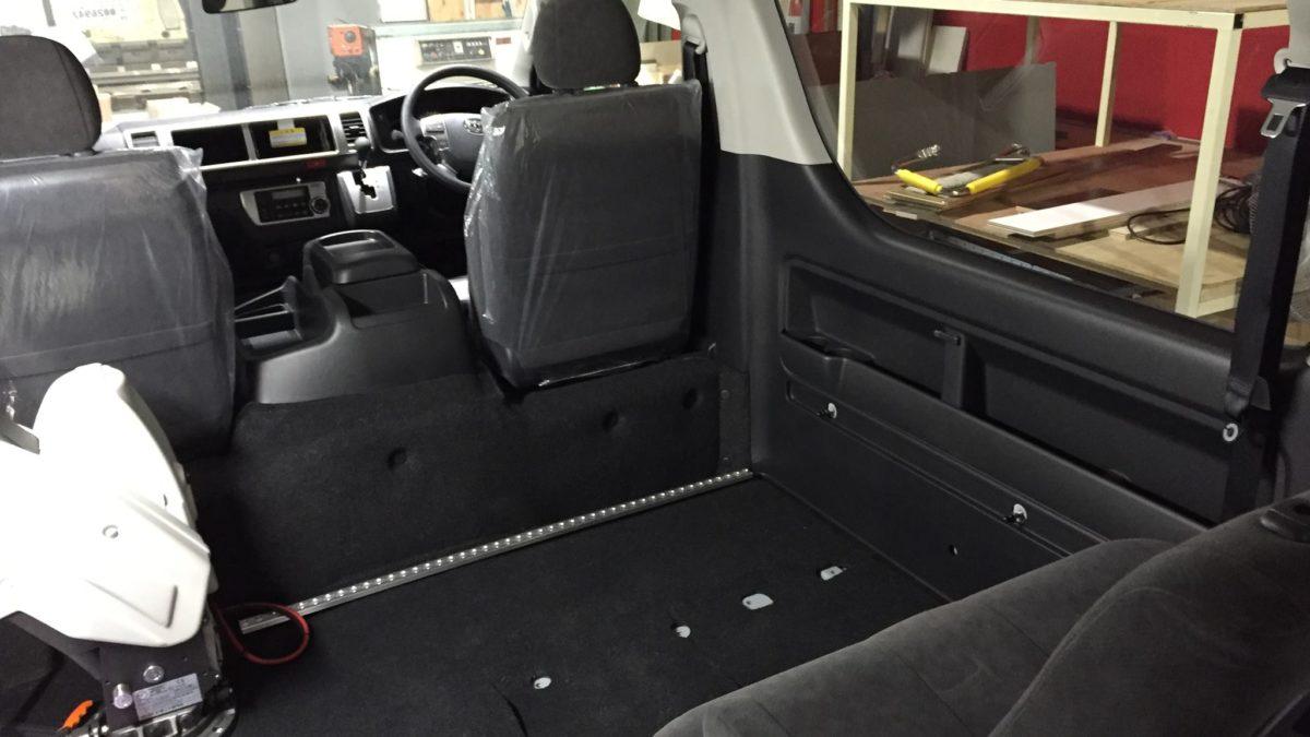 トヨタ ハイエースWGN-GL X フィオレラリフト サイドアクセス 車いす移動車の福祉車両改造事例6