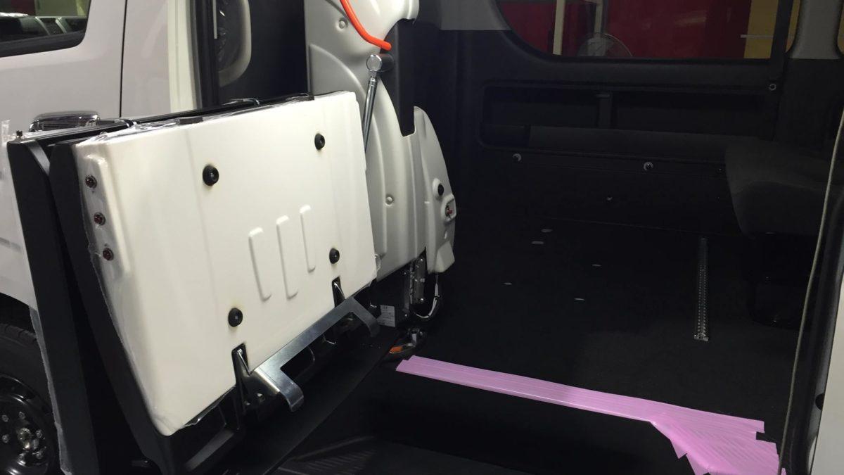 トヨタ ハイエースWGN-GL X フィオレラリフト サイドアクセス 車いす移動車の福祉車両改造事例5